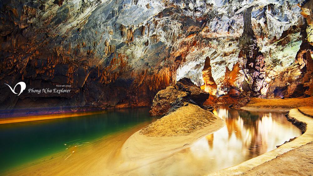 Hình ảnh đẹp nhất ở động Phong Nha Kẻ Bàng tại dòng sông ngầm và bãi cát dài