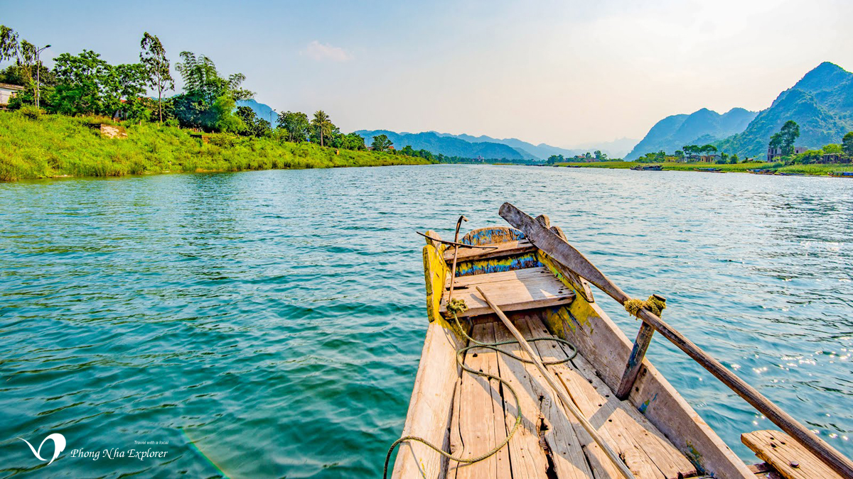 Thuyền xuôi dòng Sông Son Phong Nha - Kẻ Bàng Weather