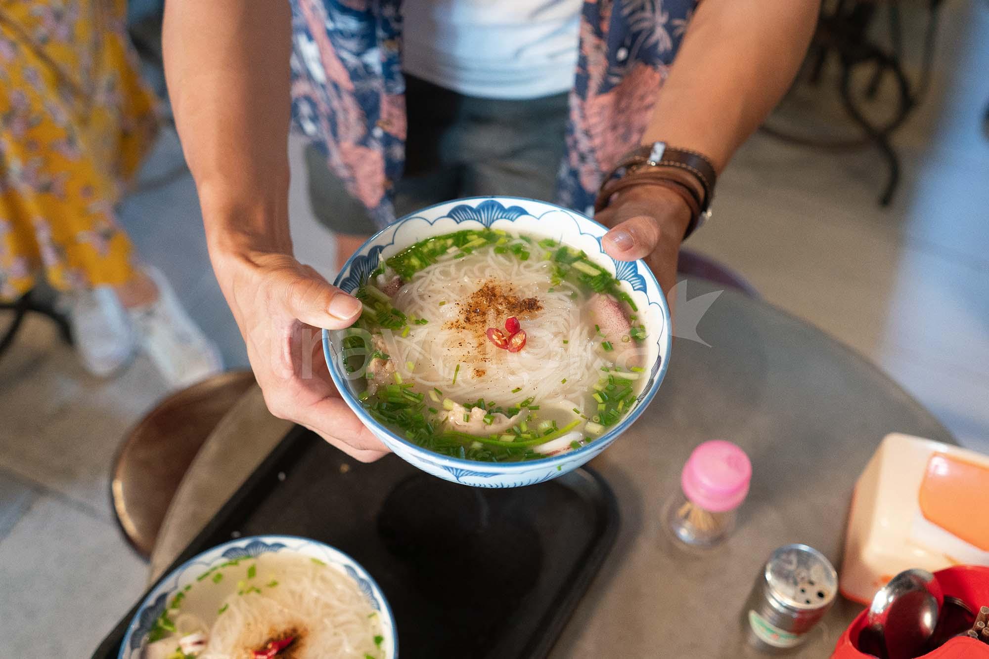 Cẩm nang du lịch Phú Quốc - Bún quậy Kiến Xây