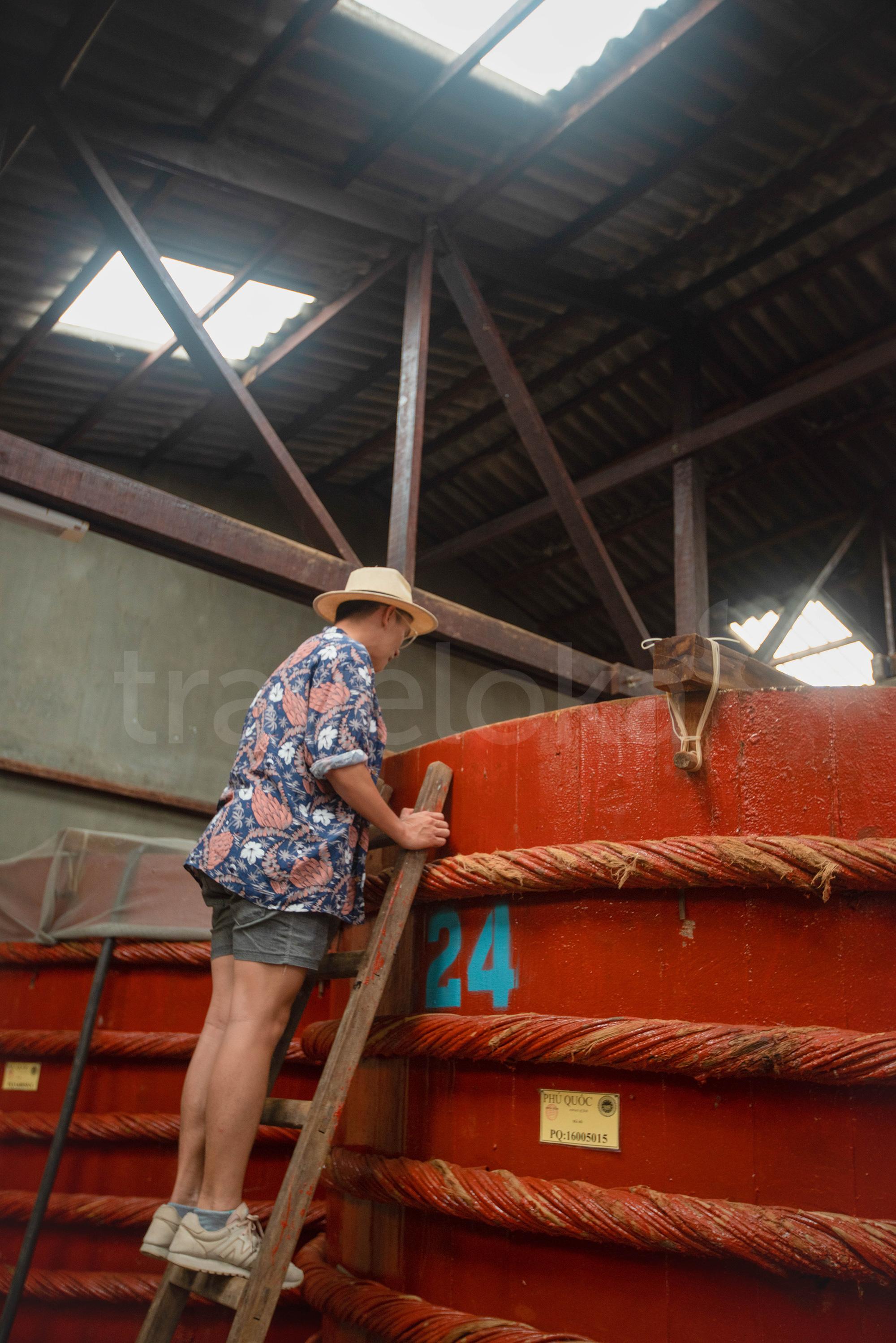 Cẩm nang du lịch Phú Quốc - Nhà thùng nước mắm