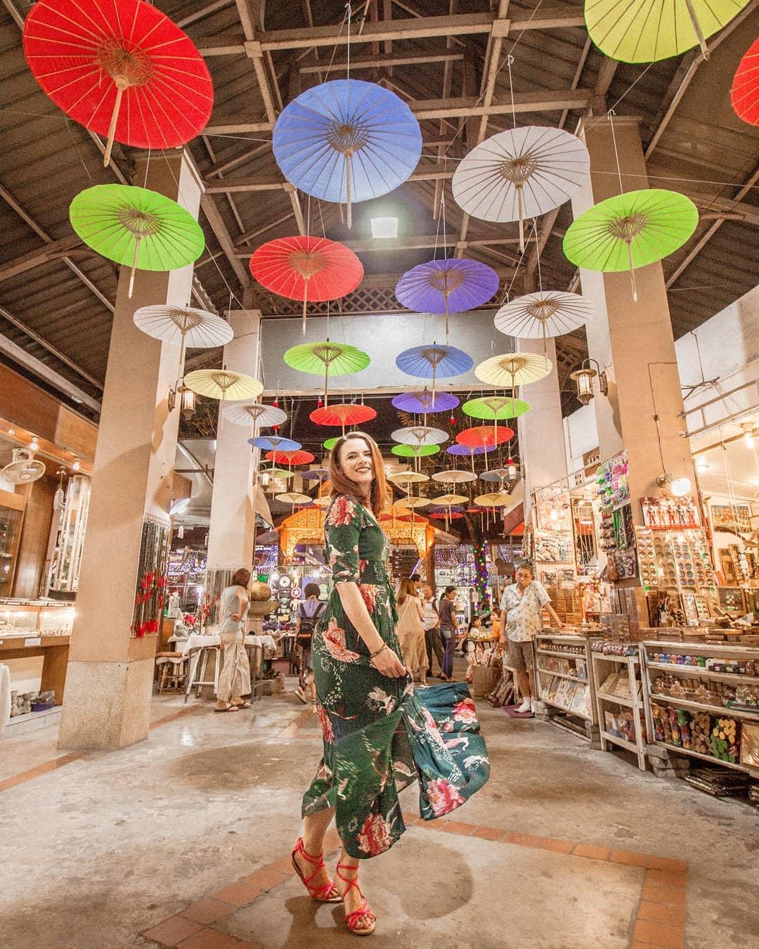Kinh nghiệm đi Chiang Mai - Chiang Mai Night Bazaar