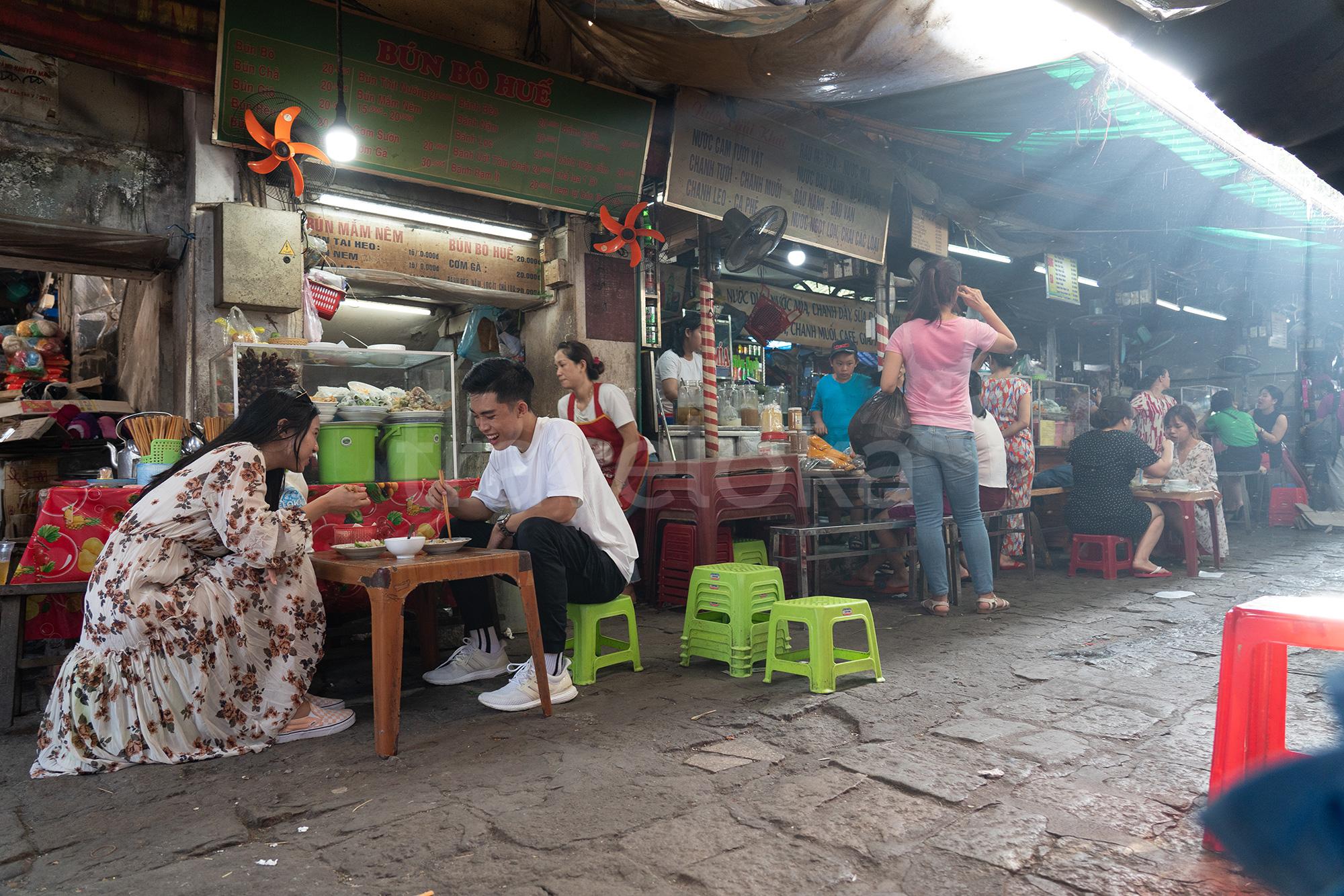 Kinh nghiệm du lịch Huế 1 ngày - Chợ Đông Ba