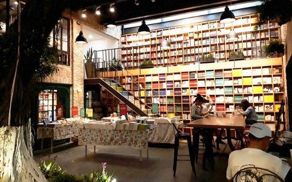 Nhã Nam Books N' Coffee một trong những quán cà phê yên ắng nhất