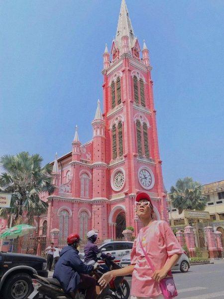 Nhà thờ màu hồng giữa lòng Sài Gòn