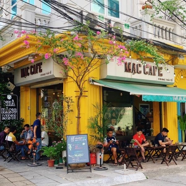 Quán cà phê mộc mạc, yên tĩnh tại Hà Nội