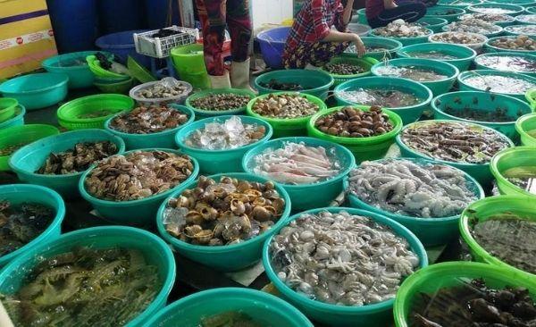 Chợ hải sản tươi ngon Hàng Dương Cần Giờ