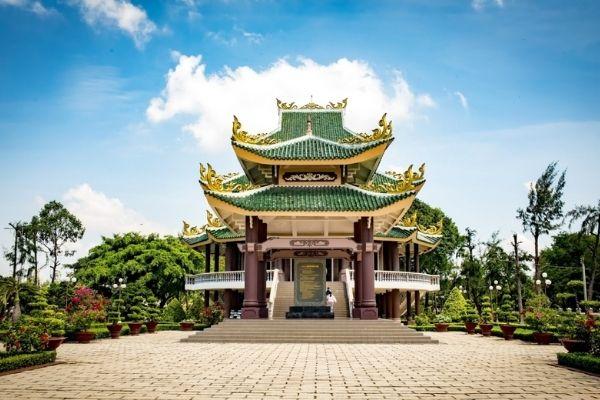 Lăng mộ cụ Nguyễn Đình Chiểu du lịch tâm linh